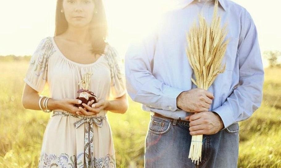 Льняная свадьба: как отпраздновать, что подарить на 4 года свадьбы мужу, жене, друзьям