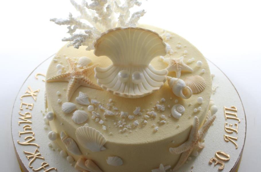 Главное украшение жемчужной свадьбы — свадебный торт