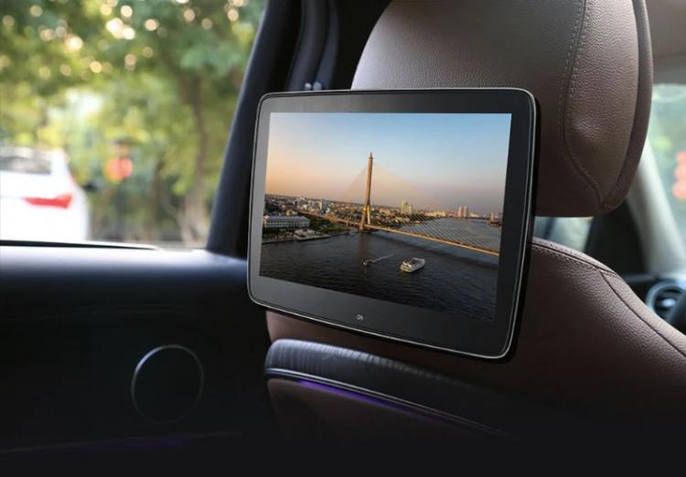 Экран в автомобиль