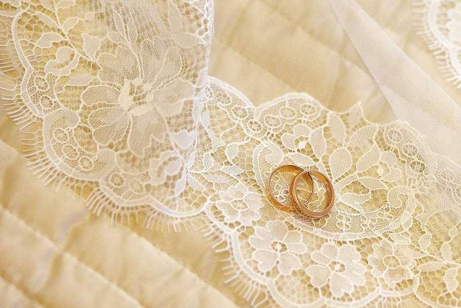 Кружевная свадьба – красивые и символические традиции 13 годовщины