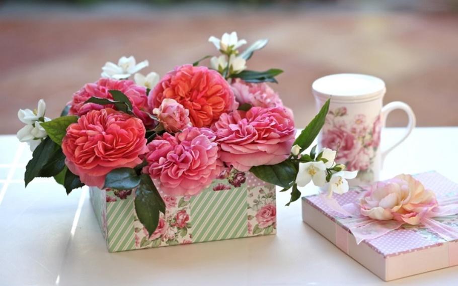 Оригинальные подарки маме на юбилей 60 лет: что подарить от дочери, сына