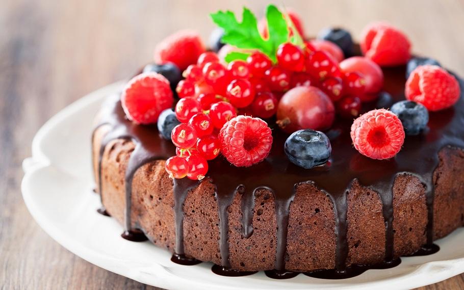 Отмечать ли маме 60 лет? Обязательно и с праздничным тортом