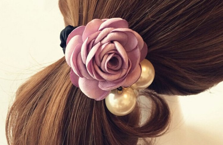 Заколки или резинки для волос