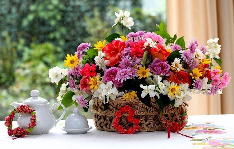 Шикарный букет из цветов